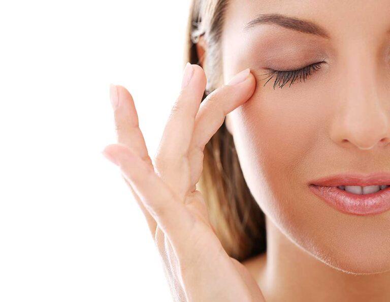 Corrección de ojeras con Ácido Hialurónico